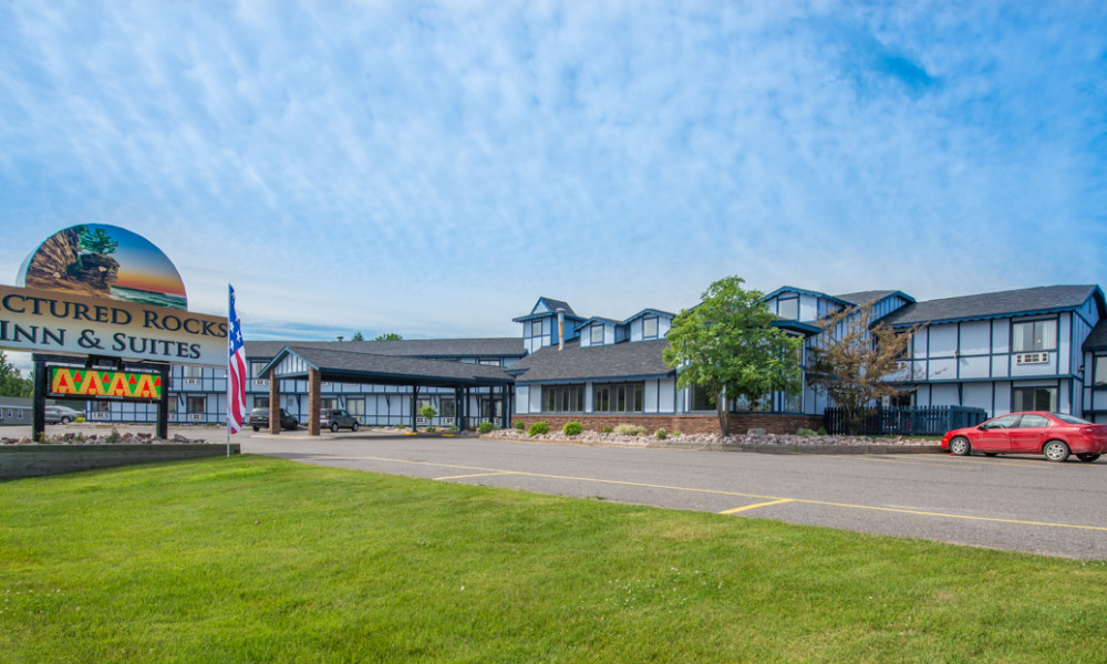 Welcome To Pictured Rocks Inn Suites